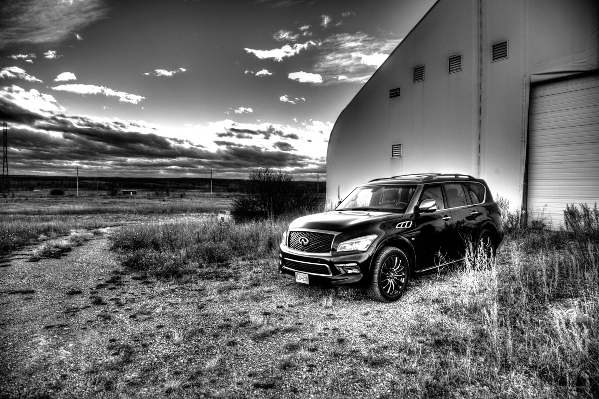 The polarizing flagship of luxury that is Infiniti's expansive QX80 Limited - slide 1