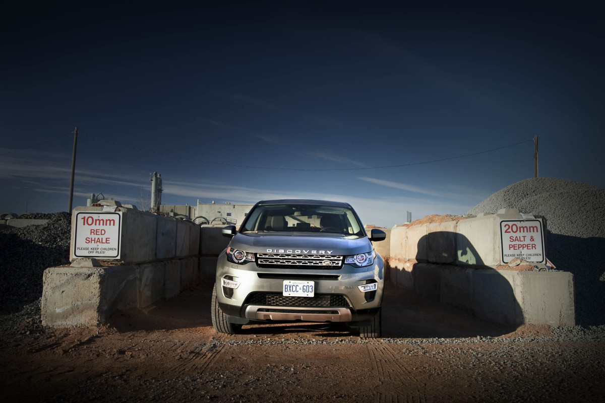 Disco Very! Land Rover's revised Discovery Sport cleans up on the off-road dance floor - slide 9