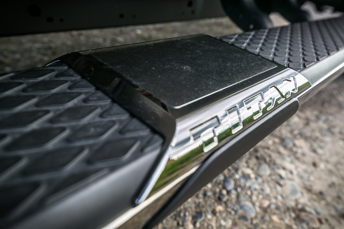 The stuff of huuuge; Nissan's 2016 Cummin turbo-dieseled TITAN XD upps the big! - slide 21