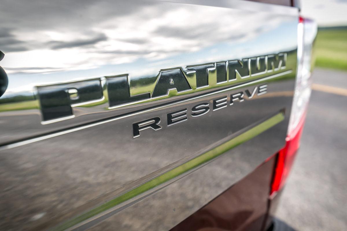 The stuff of huuuge; Nissan's 2016 Cummin turbo-dieseled TITAN XD upps the big! - slide 23