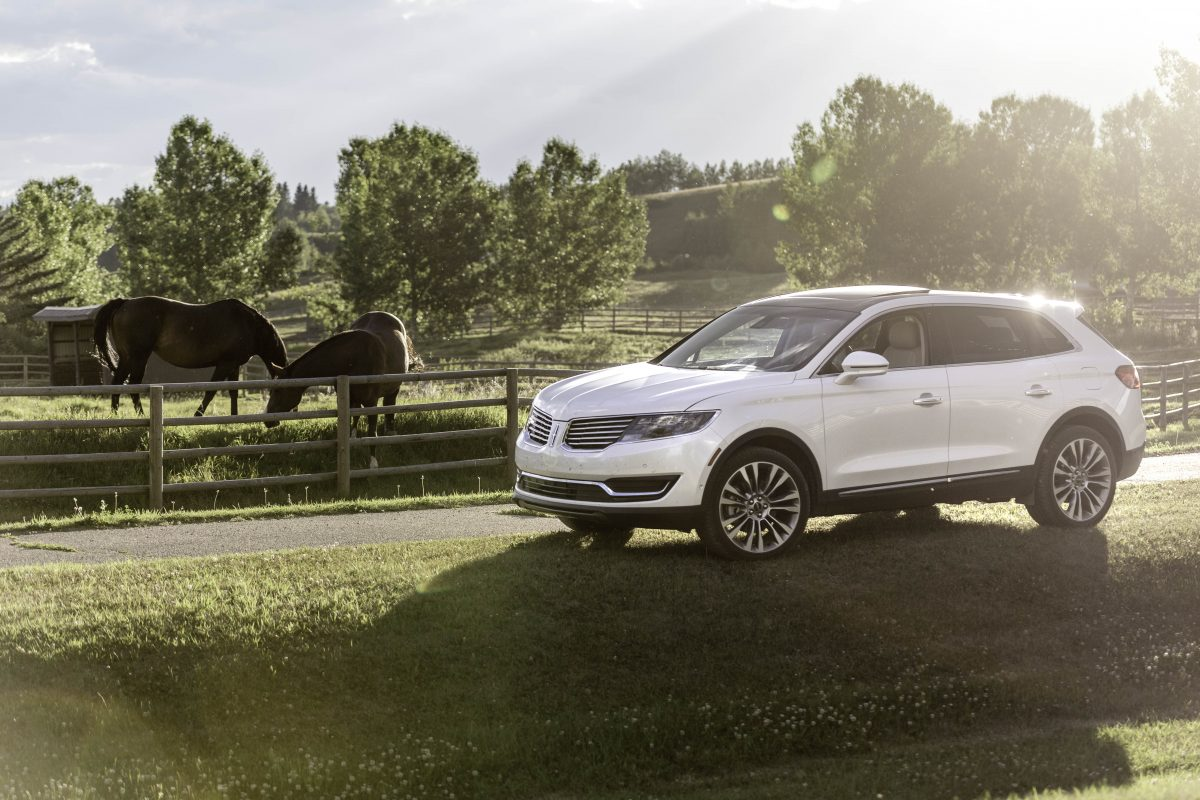 Lincoln 2017 MKX 335 hp turbocharged V6 puts the jam back in pyjamas!