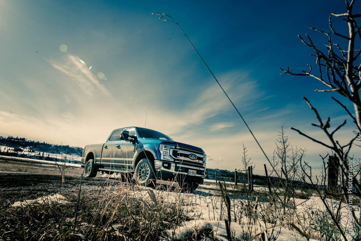 2020 FORD F-250 SUPER DUTY XLT: Big enough for all your World War Zs